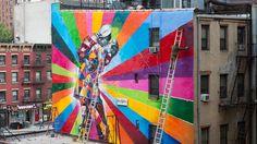 Amazing Street Art - V-J Day Kiss NYC // Eduardo Kobra | AJANAKU