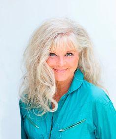 Lone Hertz actress, 77 Beautiful Old Woman, Grey Hair, Older Women, Lonely, Actresses, Female Actresses, Going Gray, Gray Hair, Senior Girls