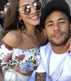 Love split: Brazilian football superstar Neymar Jnr and his long term girlfriend, soap actress Bruna Marquezine separated before his record breaking million move to PSG Neymar Jr, Foto Instagram, Instagram Fashion, Bruna Marquezine And Neymar, Celebrity Couples, Celebrity Style, Football Pictures, Friend Goals, Couples