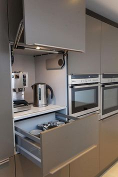 Browse images of modern Kitchen designs: Toops Barn. Find the best photos for id… Browse images of modern Kitchen designs: Toops Barn. Find the best photos for id… New Kitchen Designs, Kitchen Room Design, Kitchen Layout, Home Decor Kitchen, Interior Design Kitchen, Home Kitchens, Diy Kitchen, Modern Kitchens, Awesome Kitchen