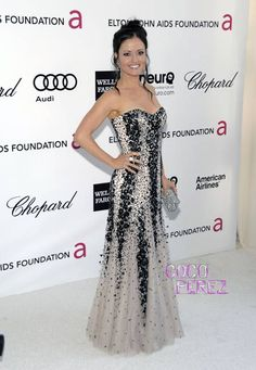 Damn Wendy has grown up... she looks beautiful... in this black and white sparkly gown.  Danica McKellar