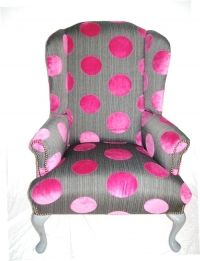 I want this for my living room! Funky Chairs, Vintage Chairs, Cool Chairs, Art Nouveau, Polka Dot Chair, Pink Houses, Pink Polka Dots, Pink Dot, Funky Furniture