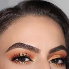 #anastasiabrows @shainaa_m BROWS: #Dipbrow in Medium Brown EYES: Subculture palette #abhsubculture