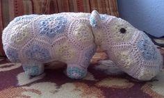 African crochet flower hippo