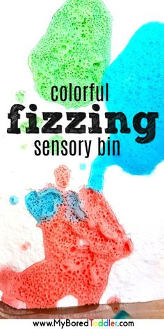 Colorful fizzing sensory bin for toddlers baking soda and vinegar a fun and simple science experiment for toddlers and preschoolers. Easy to set up, this sensory play idea is a great activity for toddlers and preschoolers. Science Activities For Toddlers, 3 Year Old Activities, Toddler Science Experiments, Infant Activities, Science Crafts, Camping Activities, Learning Activities For Toddlers, Nanny Activities, Steam Activities