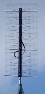 Build a DIY HDTV Antenna With These Plans