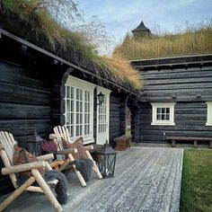 Scandinavian Cabin, Tiny Cabins, Cabin Interiors, Wooden House, Cottage Living, Cabins In The Woods, Black House, Log Homes, Beautiful Homes