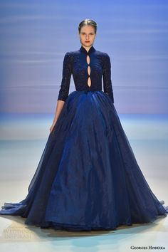 Georges Hobeika Couture Fall-Winter Look 23 Long Blue Dress Georges Hobeika, Couture Mode, Couture Fashion, Juicy Couture, Beautiful Gowns, Beautiful Outfits, Pretty Dresses, Blue Dresses, Moda Vintage