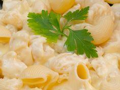 Pastele preferate cu cel mai cremos și delicios sos de cașcaval.