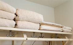 キレイに見えるタオルの畳み方はコレ!プロの方法を動画でチェック[すむすむ]