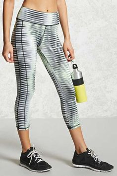 Active Abstract Capri Leggings