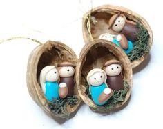 Pilz-Weihnachtsschmuck - Walnuss Shell Ornament - handgefertigte Ornament - Urlaub Dekor Perfekte Geschenk für alle Pilze Spaß! Sie erhalten eine Reihe von 6 Pilze Ornamente. Die ungefähre Größe der jedes Ornament ist 4cm. Die Walnüsse haben unterschiedliche Größen, weil sie natürlich sind. Weitere ORNAMENTE: https://www.etsy.com/shop/Velwoo?section_id=16913364&ref=shopsection_leftnav_1 Weitere Pilz-Elemente: https://www.etsy.com/shop/V...