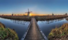 "In my first trip of 2017 to Kinderdijk I wanted to make at least one image with a composition I've never done or seen before. Eventually I settled for this one which is made out of 5 x 5 verticals and I hope you like it :) Best viewed on black (click image or press ""M"") Facebook : https://www.facebook.com/hermanvdberge.photography Instagram : https://www.instagram.com/herman_van_den_berge/"