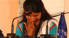 Eisham Ashiq, hija de 15 años Asia Bibi, cristiana condenada a muerte en Pakistán acusada de blasfemar contra el Islam, aseguró recientemente que su fe católica la sostiene para esperar la liberación de su madre. https://www.aciprensa.com/noticias/hija-de-catolica-condenada-a-muerte-en-pakistan-espero-con-fe-su-liberacion-85573/