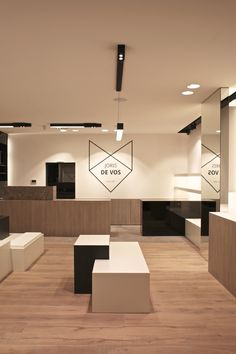 DE VOS. #shoestore #retail #store #shoes #fashion DARK® #lighting #dark #znow #wave #spaze #metroffice #architecturallighting #led #design #interiordesign #anthonyboelaert #project at Wenduine BE dark.be