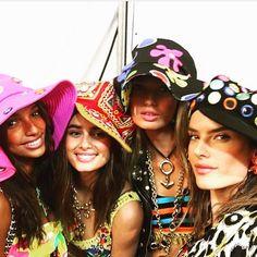 @moschino @itsjeremyscott #resort2017 #resort #runway #backstage #catwalk #color #hat #model #beauty #makeup #beautiful #moschino #show #alessandraambrosio #modeling #amazing #cool #awesome #moda #fashion #style #fabulous #wow #fashionista #styling  #losangeles #california #MADELA