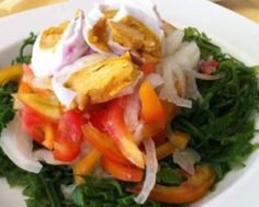 How to Make Healthy and Delicious Paco Salad - Health Tips & Diet Recipes Salad Recipes, Diet Recipes, Salted Egg, Health Tips, Chicken, Healthy, Ethnic Recipes, How To Make, Food