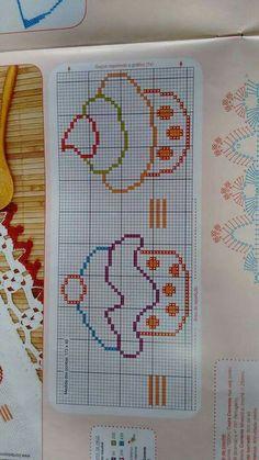 Crochet Square Patterns, Cross Stitch Patterns, Needlepoint Stockings, Cross Stitch Kitchen, Halloween Cross Stitches, Plastic Canvas Patterns, Art Sketchbook, Cross Stitching, Pixel Art