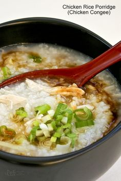 This simple and tasty Chicken Rice Porridge (Chicken Congee) is so easy to prepare. It makes a delicious breakfast and is a bowl of comfort any time of the day. *use coconut aminos instead of soy sauce* Asia Food, Laos Food, Rice Porridge, Breakfast Porridge, Pancakes And Bacon, Korean Dishes, Cooking Recipes, Healthy Recipes, Korean Recipes