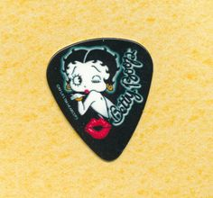 Betty Boop guitar pick (graphic 4)