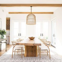 Best Farmhouse Dining Room Lighting Ideas – Modern Home Table Design, Dining Room Design, Dining Room Furniture, Dining Rooms, Home Interior, Interior Design, Interior Modern, Modern Exterior, Kitchen Interior