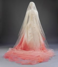 Gwen Stefani Wedding Dress with a touch of pink - Buy Gwen Stefani Wedding Dress Replica and Check Out More Celebrity Bridal Dresses Here. Wedding Dress Backs, Wedding Dress Styles, Wedding Wear, Designer Wedding Dresses, Wedding Gowns, Bridal Gowns, Dream Wedding, Wedding Outfits, Wedding Stuff