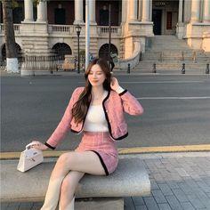 Ulzzang Fashion, Kpop Fashion Outfits, Edgy Outfits, Korean Outfits, Cute Casual Outfits, Girl Outfits, Cute Skirt Outfits, Pretty Outfits, Look Fashion