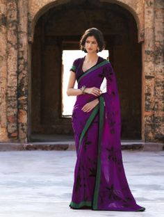 Don't see a reason why this would not work! Elegant Indian Saris CLICK Visit link above to see Laxmipati Sarees, Indian Sarees, India Fashion, Asian Fashion, Women's Fashion, Indian Dresses, Indian Outfits, Pakistani Outfits, Indian Clothes