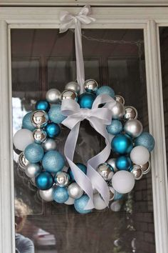 Easiest DIY Christmas Wreath Ever