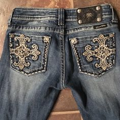 "MISS ME Jeans Size 25 Bootcut Inseam 32"" Awesome! Just reduced - good mood . MUST HAVE!...MISS ME Jeans Size 25 Bootcut Inseam 32"" Awesome! Excellent Condition!  Miss Me Jeans Boot Cut"