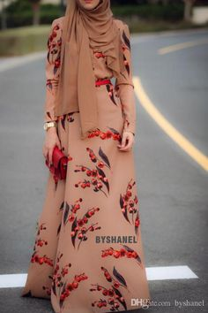 Hijab Fashion Anna Hariri gorgeous and they are doing a giveaway now. you can enter – Hijab Fashion Hijab Fashion 2016, Trend Fashion, Abaya Fashion, Fashion Mode, Modest Fashion, Girl Fashion, Fashion Outfits, Fashion Clothes, Muslim Dress
