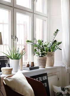 Home Interior Art Target Home Decor, Easy Home Decor, Home Decor Trends, Cheap Home Decor, Window Seal Decor, Window Ledge Decor, Window Sill, Living Room Decor, Bedroom Decor