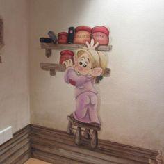 The little dwarf is preparing dinner..#dwarfs #Pisolo