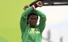 """Prata na maratona, etíope protesta e diz: """"Talvez me matem quando voltar""""…"""