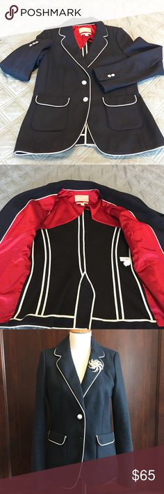 LIKE NEW Banana Republic blazer Heavy knit, Italian wool, navy blue blazer. White piping. Sleeves are lined. Worn once. No pilling or snags. Dry clean only. Smoke-free pet-friendly home.  No trades, holds, or modeling. Banana Republic Jackets & Coats Blazers