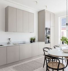 The Best Scandinavian Kitchen Decor Ideas Kitchen Furniture, Kitchen Interior, Kitchen Decor, Skandi Kitchen, Rustic Kitchen, Diy Interior, Office Furniture, Interior Design, Nordic Kitchen