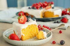 Himmelsk saftig og god sitronkake | Coop Marked Ketogenic Recipes, Diet Recipes, Vegan Recipes, Cooking Recipes, Keto Results, Keto Dinner, Royal Icing, Let Them Eat Cake, Cheesecake