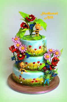 Maya the Bee Cake by Alll