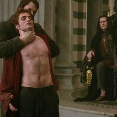 """*** BITS AND ROBS ***  Rob: """"I did limit my topless scenes quite a lot. I was supposed to do the fight sequence at the end (of New Moon) half naked and I thought that would be a bit ridiculous, so…. You can't tense when you are doing a fight scene as well so it was a bit more difficult."""" Twilight Edward, Twilight Saga, New Moon Soundtrack, I Robert, Twilight Pictures, Series Movies, Robert Pattinson, Movies Showing, Pretty Pictures"""