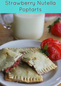 These Strawberry Nutella Poptarts will wow your mouth and leave you satisfied. Nutella Brownies, Pie Dessert, Dessert Recipes, Desserts, Delicious Breakfast Recipes, Yummy Food, Nutella Spread, Blueberry Bread, Make Ahead Breakfast