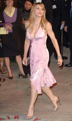 Madonna Looks Pretty In Pink At The Vanity Fair Party, 2006 Madonna Rare, Madonna 80s, Lady Madonna, Madonna Concert, Oscar Dresses, Satin Dresses, Silk Dress, Mariah Carey, Fashion Advice