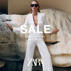 There is nothing shopping can't fix! Make way to the nearest ZARA store to get your hands on the trendiest fashion with the end of season sale. The Zara India sale begins on June 2019 at all stores. Zara Fashion, Fashion Sale, Zara Online Store, Peuque Jeans, Instagram Feed Ideas Posts, Lookbook Design, Banners, Fashion Banner, Fashion Graphic Design