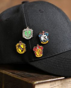 If you've got a Harry Potter fan in your wizarding world, then you'll love our selection of Harry Potter Gifts! See our selection for your Harry Potter gift ideas! Objet Harry Potter, Cute Harry Potter, Theme Harry Potter, Harry Potter Style, Harry Potter Houses, Harry Potter Outfits, Harry Potter Gifts, Harry Potter Pictures, Harry Potter Birthday