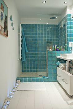 Ideas de #Dormitorio, estilo #Contemporaneo color  #Turquesa,  #Blanco,  #Gris, diseñado por F