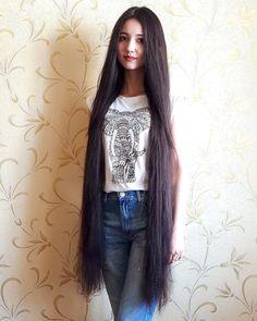 We Love Rapunzel Hair Really Long Hair, Super Long Hair, Anastasia, Layered Haircuts With Bangs, Face Shape Hairstyles, Black Hairstyles, Beautiful Long Hair, Simply Beautiful, Beautiful Ladies