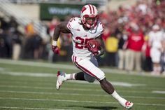 Bet Like A Sharp During College Football Bowl Season | Sports Insights