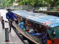 Bangkok Busboot legt am Pier an Bangkok, Thai Recipes, Adventure, Thai Food Recipes