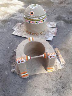 Chullah n haara Fun Diy Crafts, Clay Crafts, Pongal Celebration, Indian Diy, Silver Payal, Pakistani Culture, Mud House, Village Photography, Courtyard House Plans