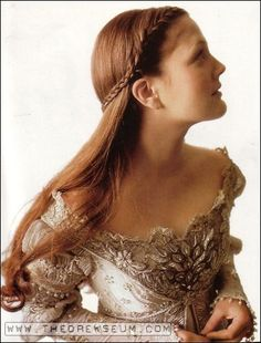 Drew Barrymore in Ever After -French braided half up. The costumes are lush and beautiful in this sweet-hearted film. Jenifer Aniston, Braided Half Up, Braided Buns, Messy Buns, Mode Costume, A Cinderella Story, Drew Barrymore, Ever After, Costume Design