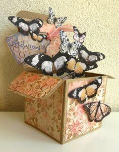 Creabest: Veel vlinders Is het een doosje of toch een kaart!!
